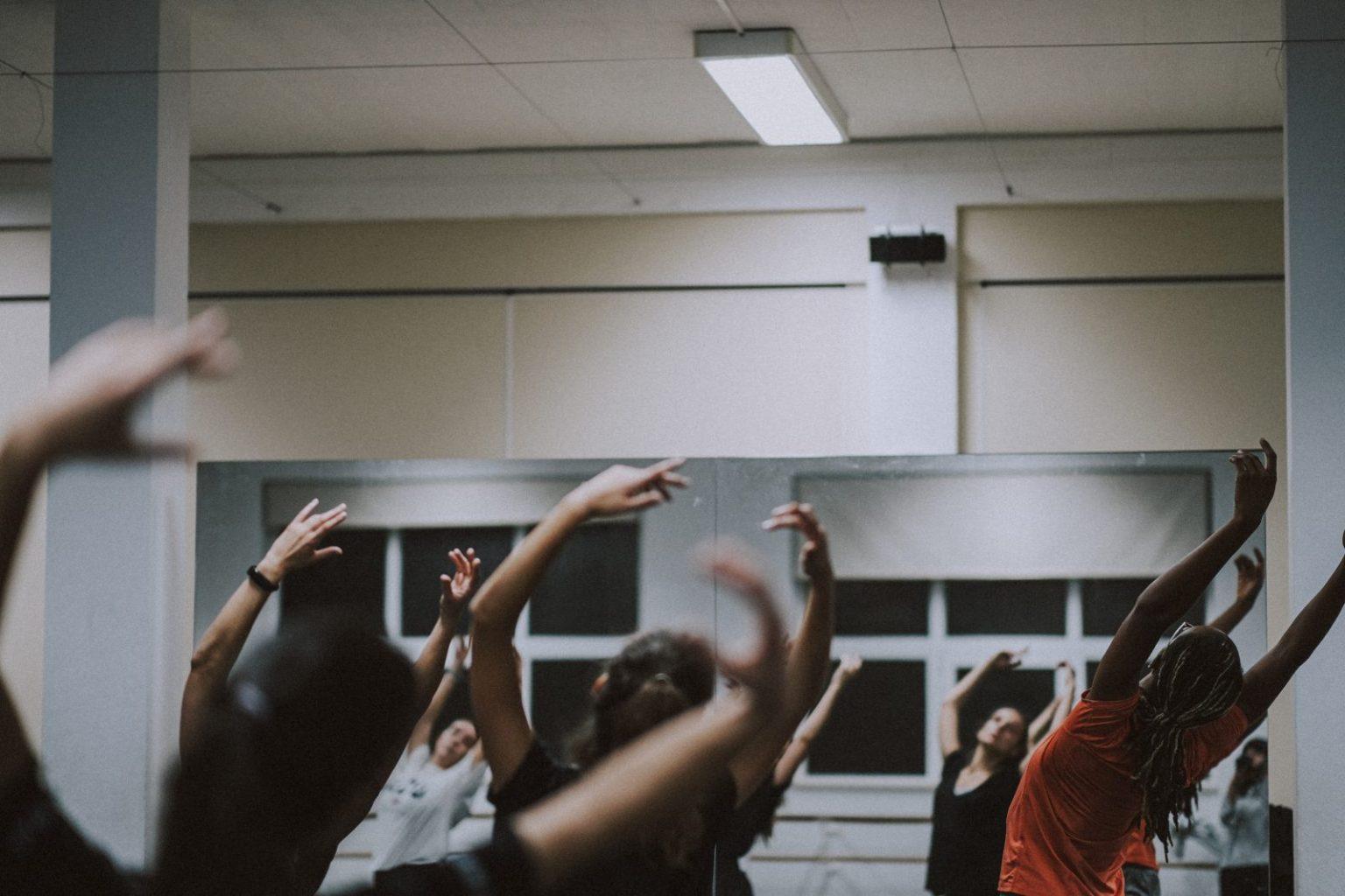 aula de dança por David Amado, coreógrafo fotografado no seis faces